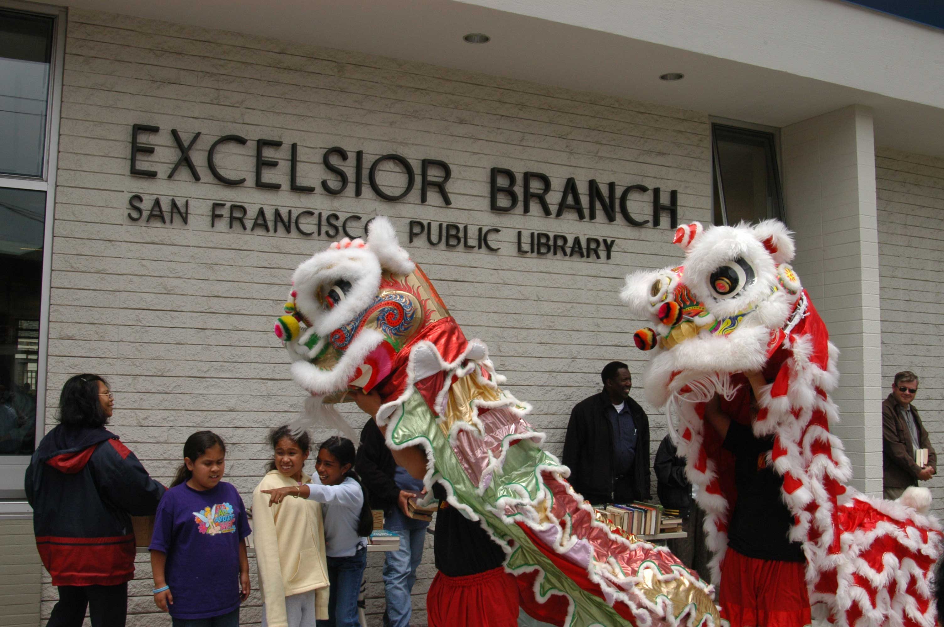 Lion Dancers entertain the crowd