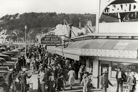 Crowd at Playland